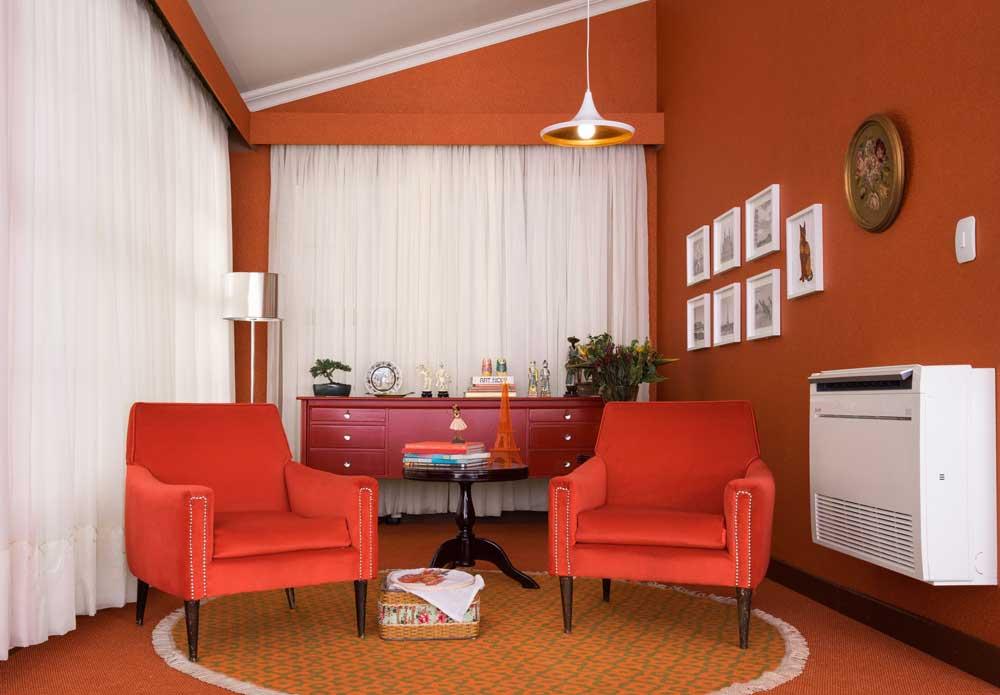 CarlsonDuluth-Orange-Room